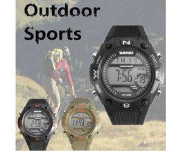 Montre Sportive Avec Bracelet En Caoutchouc