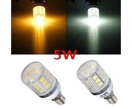 Dimmable Ampoule LED Pour Un E14 Fitting