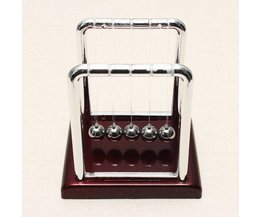 Petit Newton Pendulum
