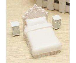 Dollhouse Miniatures: Simple