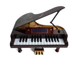 Toy Piano Pour Little Children