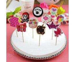 Cake Toppers De Fête Avec De Beaux Motifs
