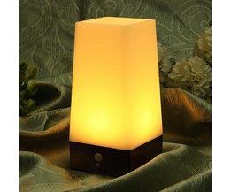Mit LED-Bewegungs-Sensor