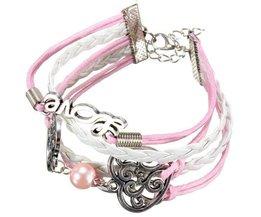 Leder-Armband Mit Einer Rosa Farbe