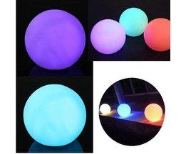 LED-Kugel-Lampe In Verschiedenen Farben