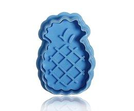 Cute Pineapple Bakeware