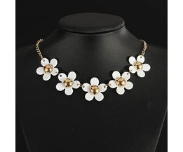 With Flowers Necklace For Women