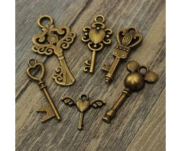 Vintage Keys For Necklaces & Bracelets 6 Pieces
