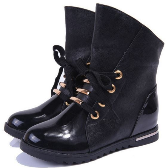 Boots Emarialo