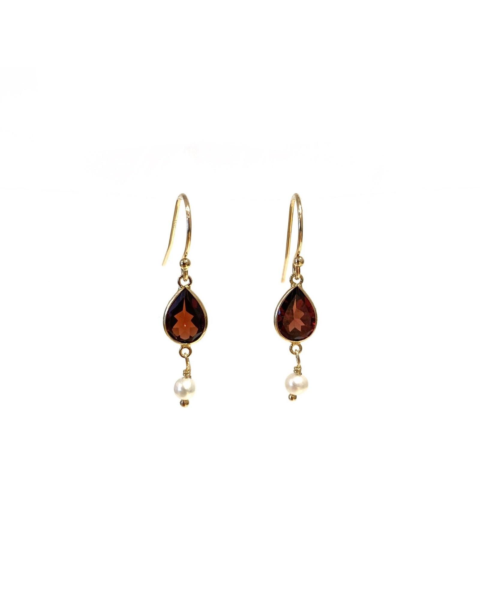 Bo Gold Earrings - Gold - Garnet