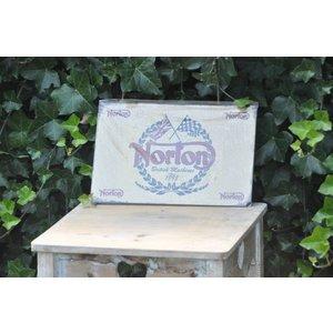 Clayre & Eef Norton