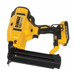 DeWalt 18V XR 18GA Minibrad Accutacker