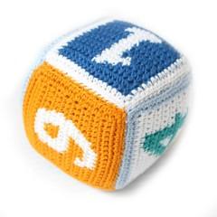 Sindibaba Sindibaba dice rattle crochet blue