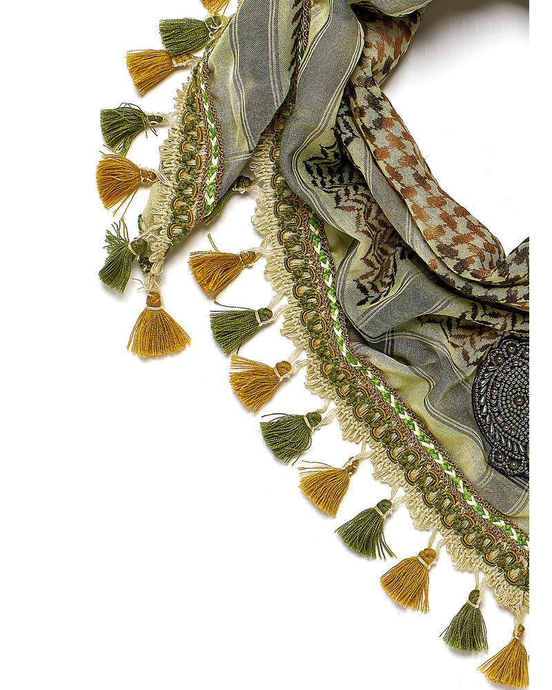 Izuskan Izuskan small 1001 nights scarf in the color Watercress