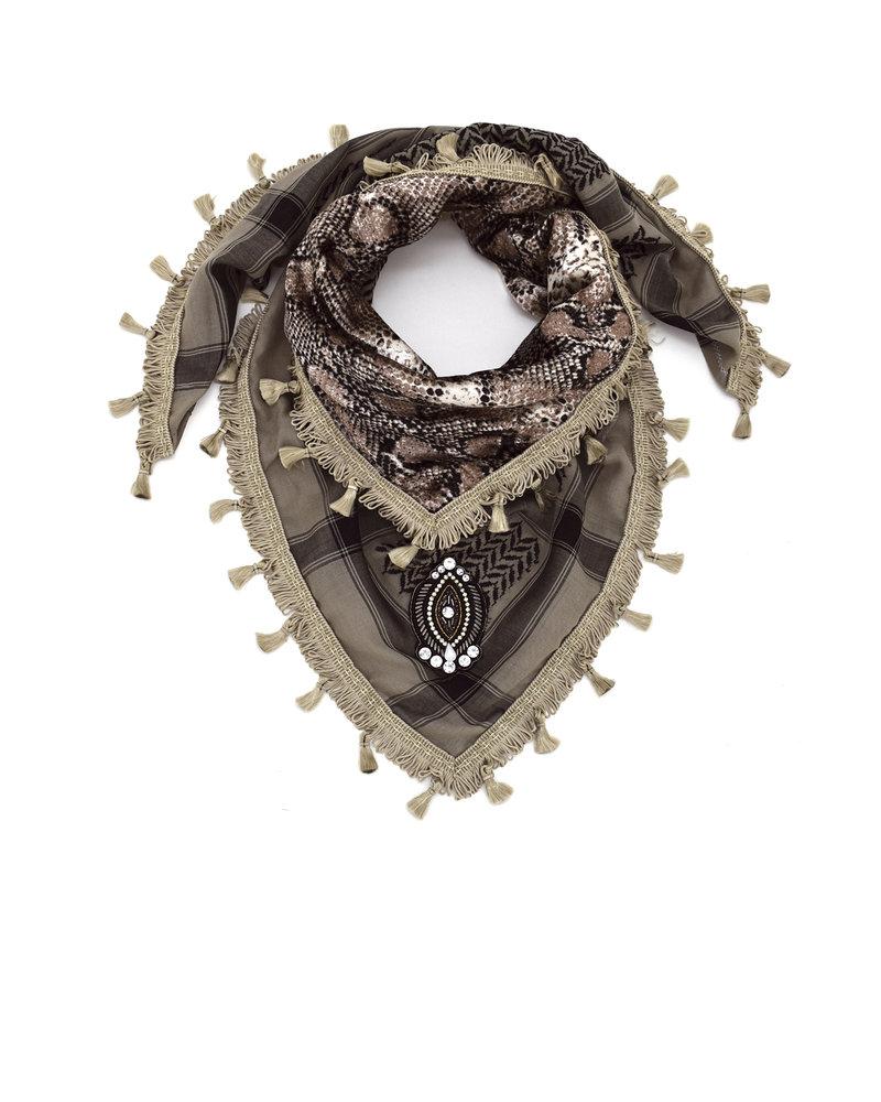 Izuskan Izuskan kleiner Sari-Schal in der Farbe Taupe mit Velevt-Schlangen-Sari