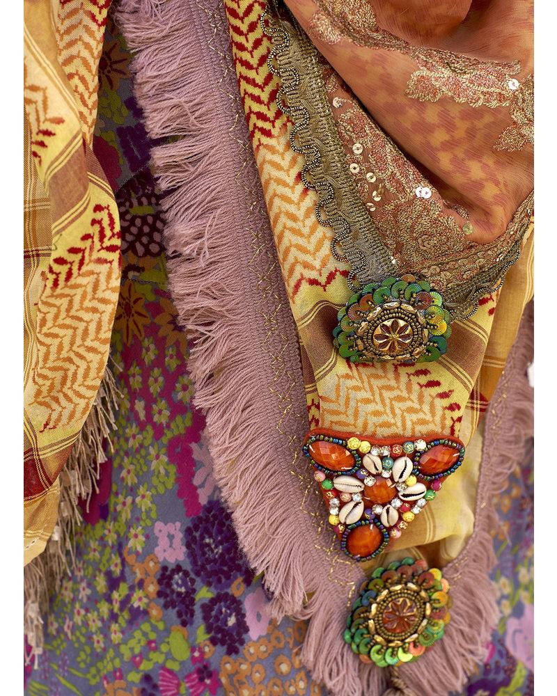 Izuskan Izuskan scarf & facemask Madame de Rosa