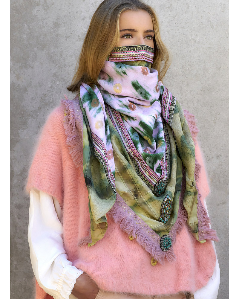 Izuskan Large original scarf with integrated facemask