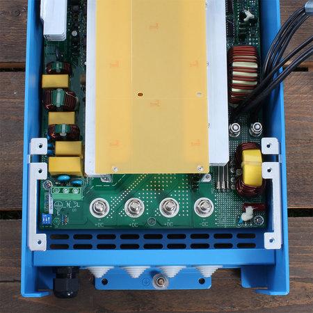Victron Centaur acculader 12/50 (3) 90-265V AC