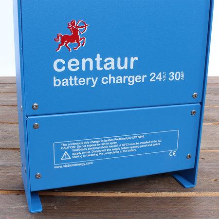 Victron Centaur acculader 24/30 (3) 90-265V AC