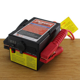 The Power Booster Universele Jumpstarter 600A