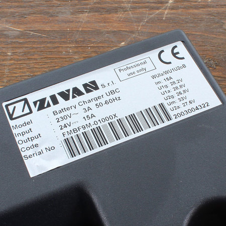 Zivan UBC Hoogfrequent Acculader 24V 15A