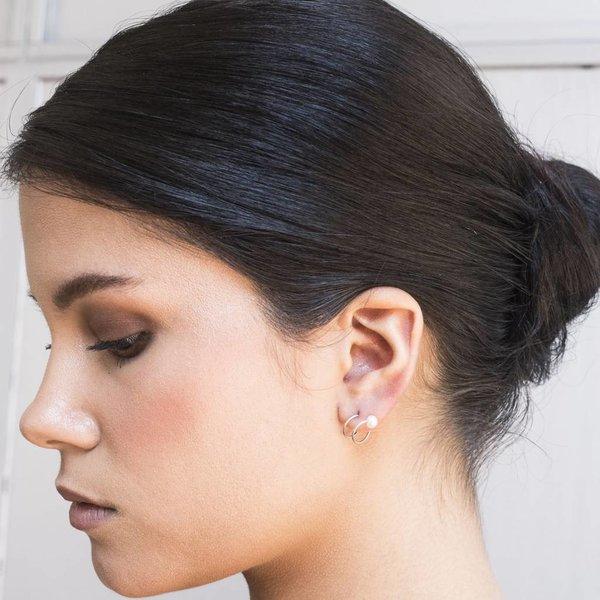 Pearl Twirl Earring - Silver