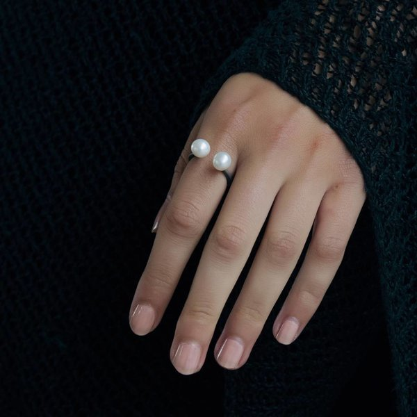Pearl Ring - Oxidized Silver