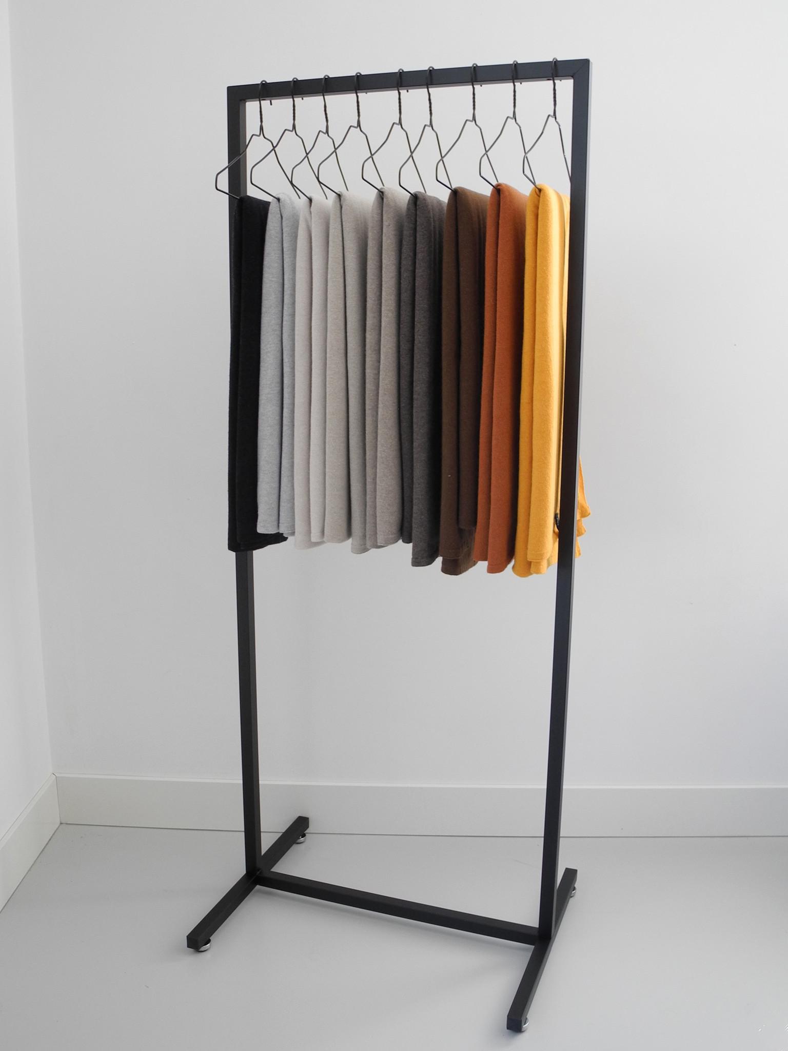 Design Kledingrek Mat Zwart