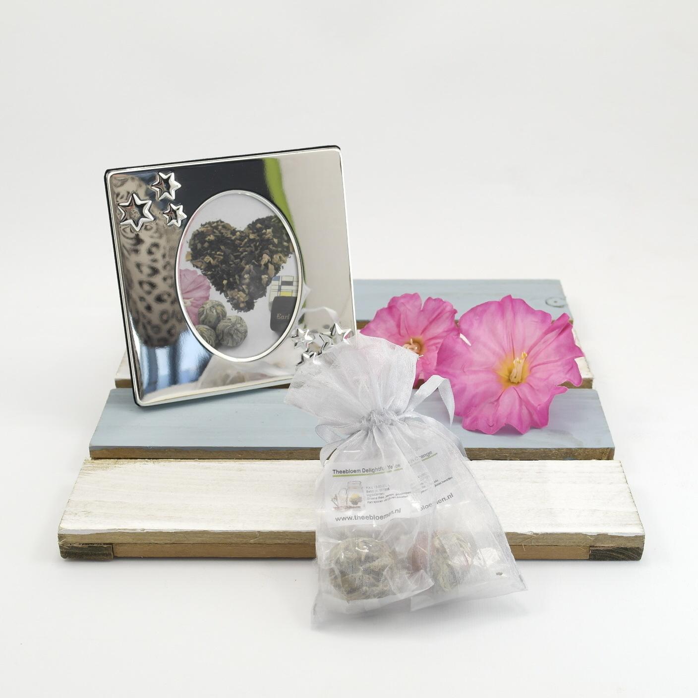 2 theebloemen met fotolijstje STER