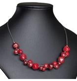 Kazuri Halsketten Drahtkette mit roten Keramikperlen
