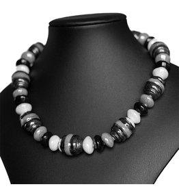 Kazuri Halsketten Cobra Black Summer