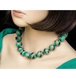 Kazuri Halsketten Grüne Keramik Halskette mit filigraner Zeichnung