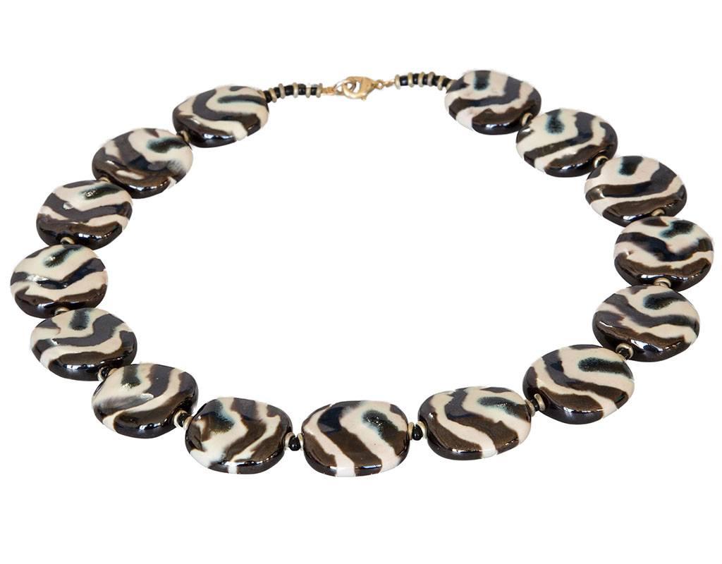 Kazuri Halsketten Handbemalter Schmuck mit Zebra Motiv