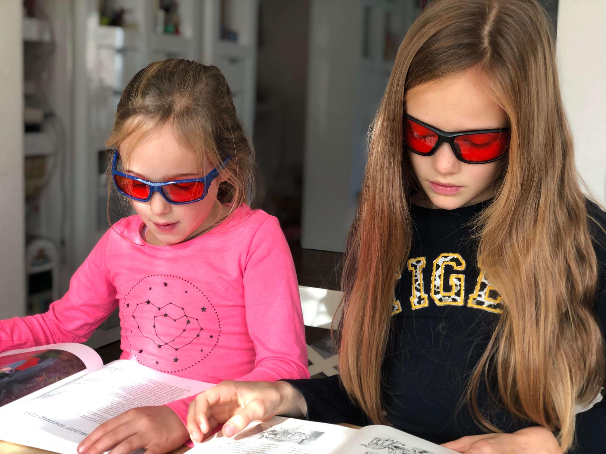 Somnoblue Plus Blue blocking sleep glasses for kids