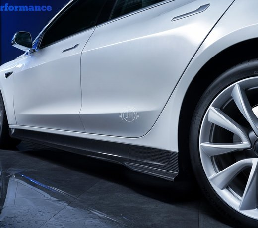 Carbon side skirt extensions tesla model 3