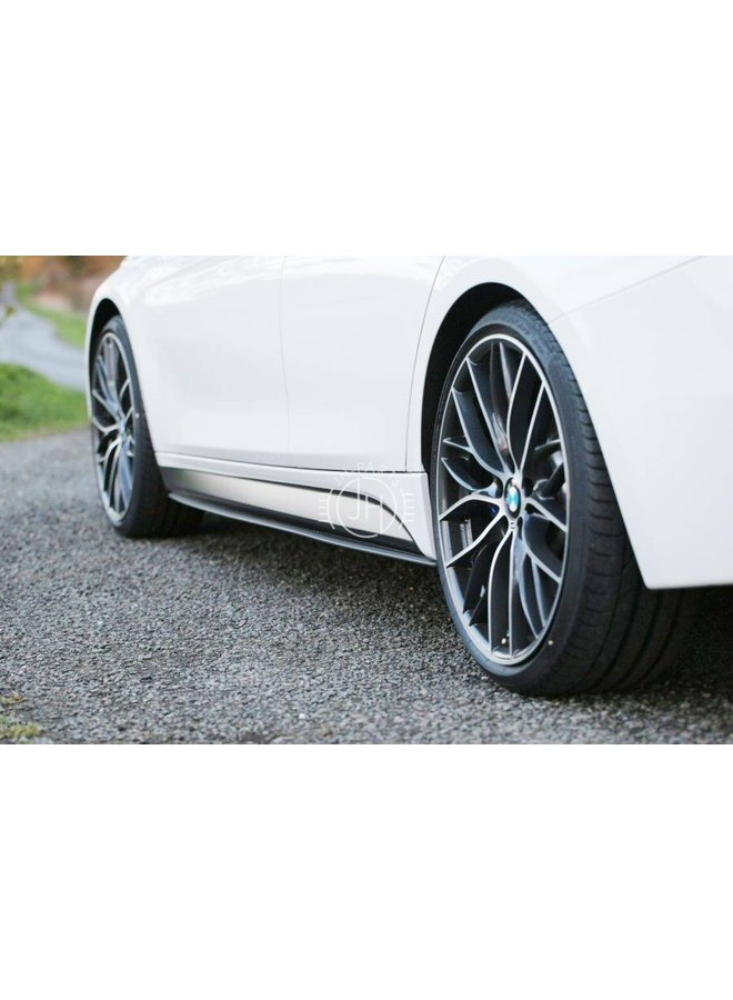 Carbon side skirt extension