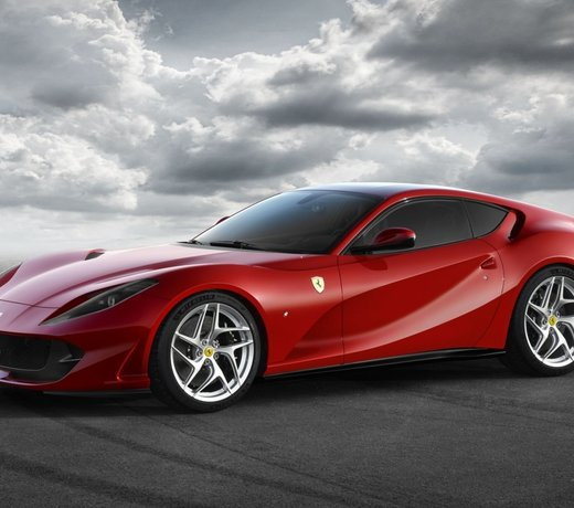 Ferrari 812 carbon & performance