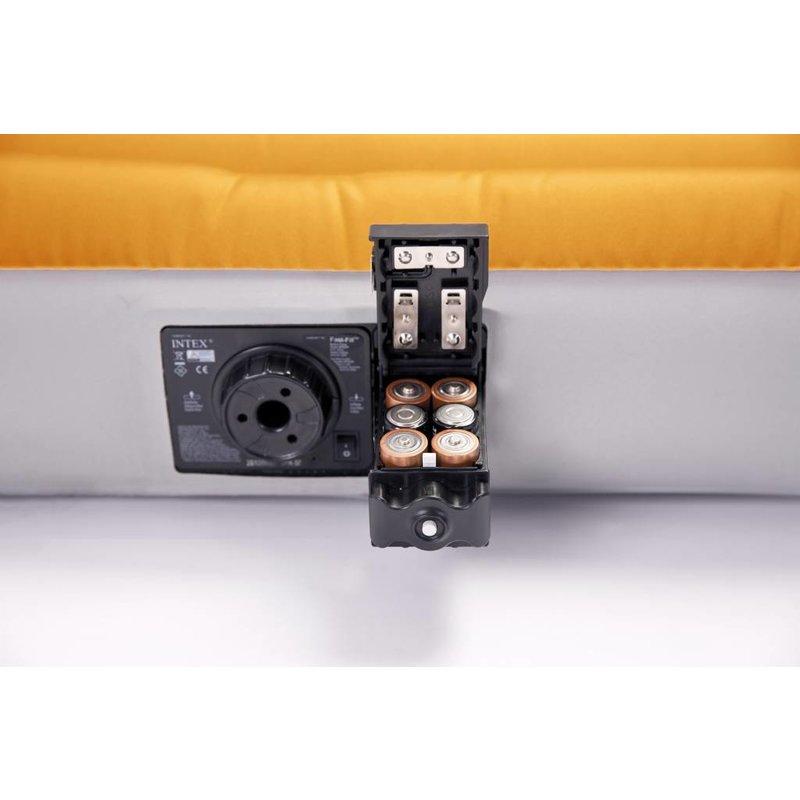 Intex Twin Super Tough Airbed met ingebouwde batterij pomp