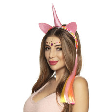 Tiara Darling unicorn met haar