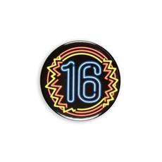 Neon Button 16 Jaar (5,5cm)