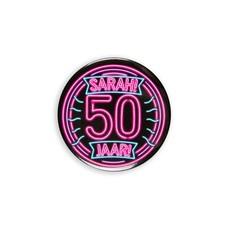 Neon Button 50 Jaar Sarah (5,5cm)
