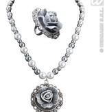 Barok ketting met parels en camee roos