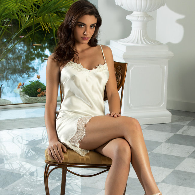 Lise Charmel  Lise Charmel lingerie Emotion Beauté short Night gown ivory ALS1062