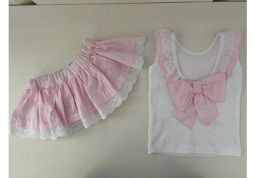 Set: wit shirt met roze rokje met kant