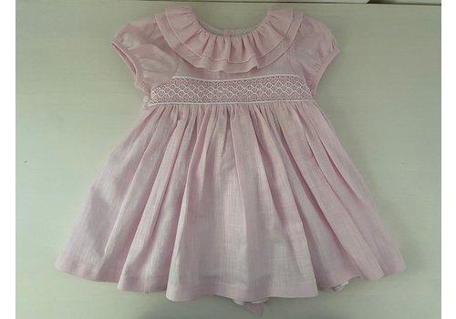 Roze jurk met borduursels en strik