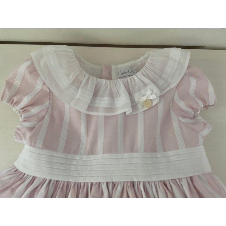 Roze gestreepte jurk met een witte kraag