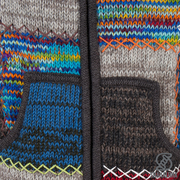 Shakaloha Shakaloha Wolljacke - Strickjacke Patch ZH Regenbogenfarben mit Fleece-Futter und Abnehmbarer Kapuze - Damen - Handgemacht in Nepal aus Schafwolle