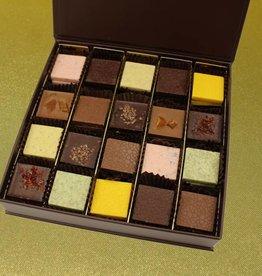 Gift box medium - Moorish collection flat chocolate