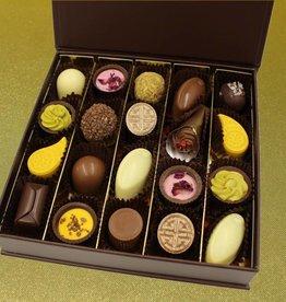 Gift box medium - mixed pralines