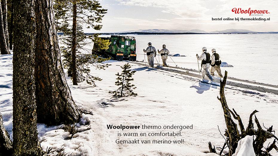 Woolpower winterkleding in de sneeuw.